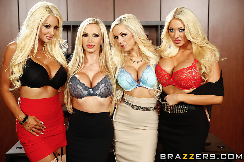 سکس گروهی چهار کس یک کیر,Courtney Taylor, Nikki Benz, Nina Elle, Summer Brielle & Keiran